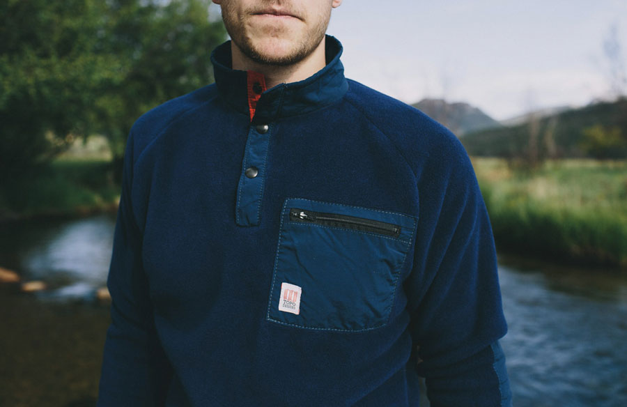 topo_designs_fleece_navy_model