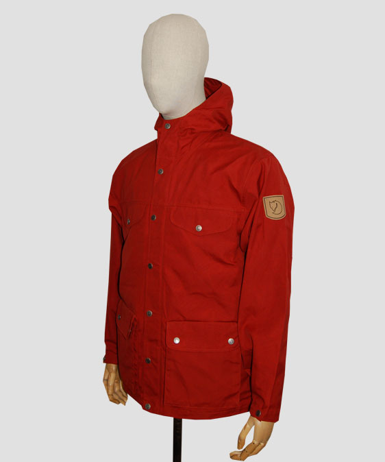 fjallraven-greenland-deep-red-angle