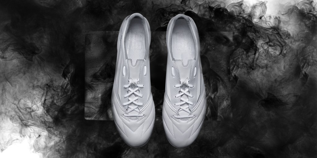 Adidas_Football_B&W_F50_White_Hero_02