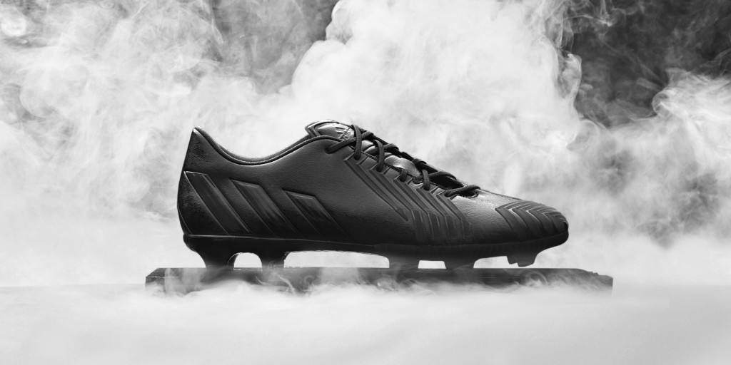 Adidas_Football_B&W_Predator_Black_Hero_03