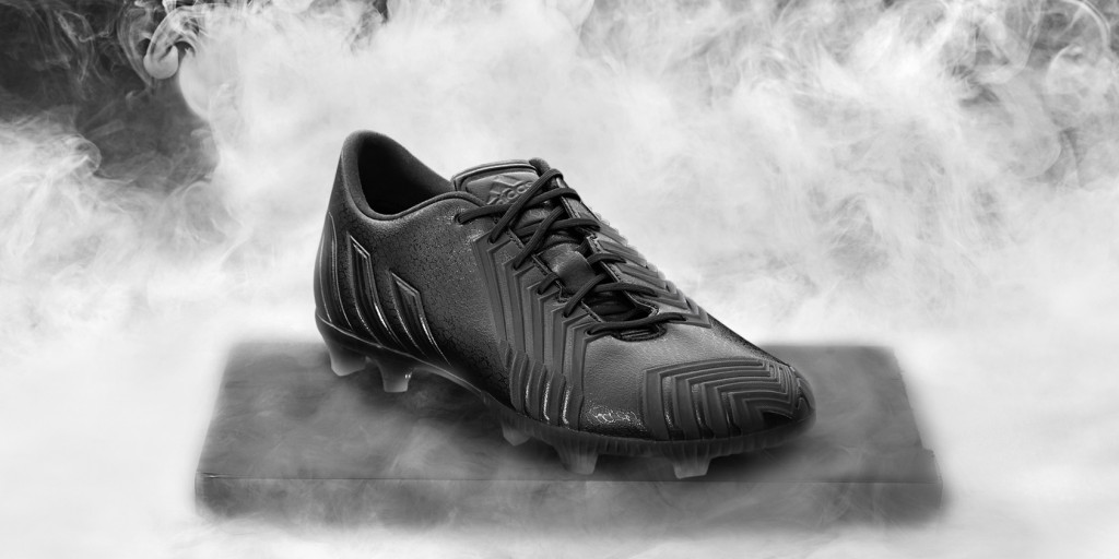 Adidas_Football_B&W_Predator_Black_Hero_04