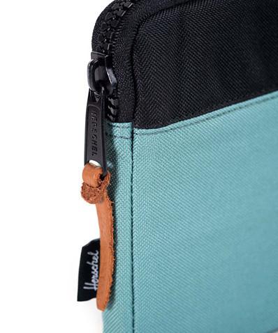 laptop sleeve detail