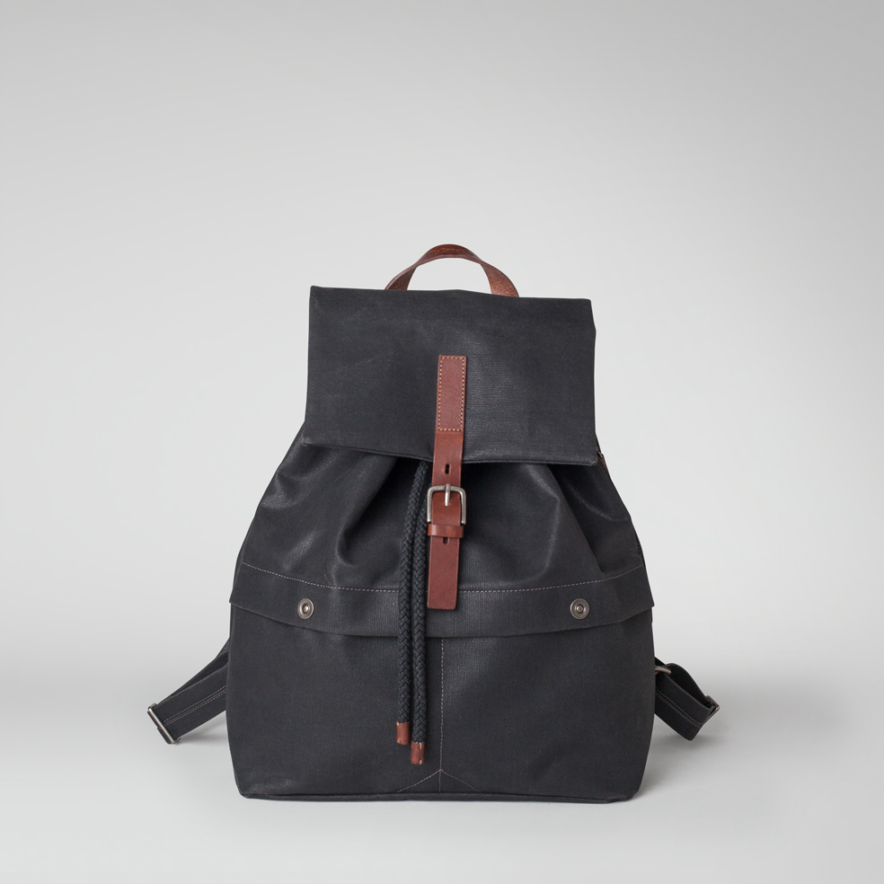 ally-capellino-aw14-canvas-kelvin-black-01