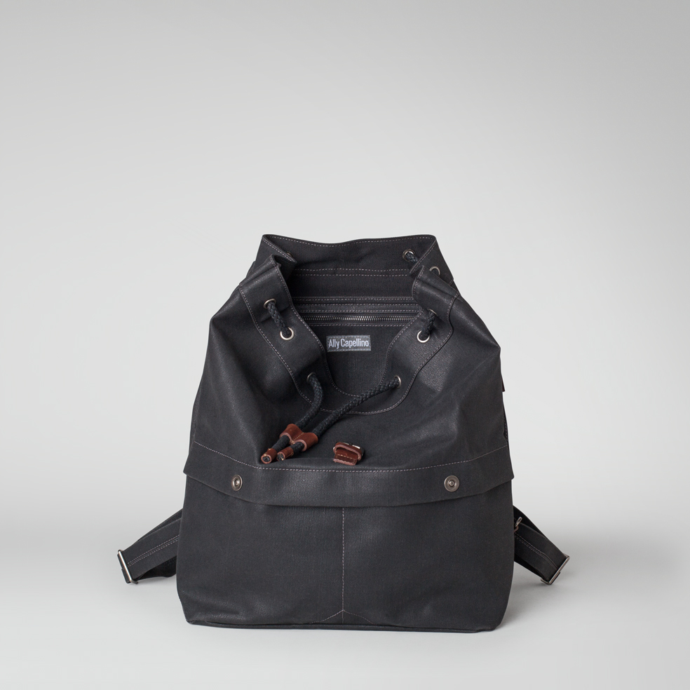 ally-capellino-aw14-canvas-kelvin-black-03
