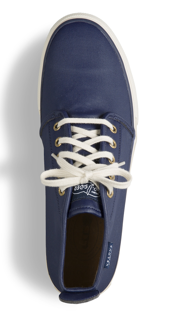 Navy chukka-top