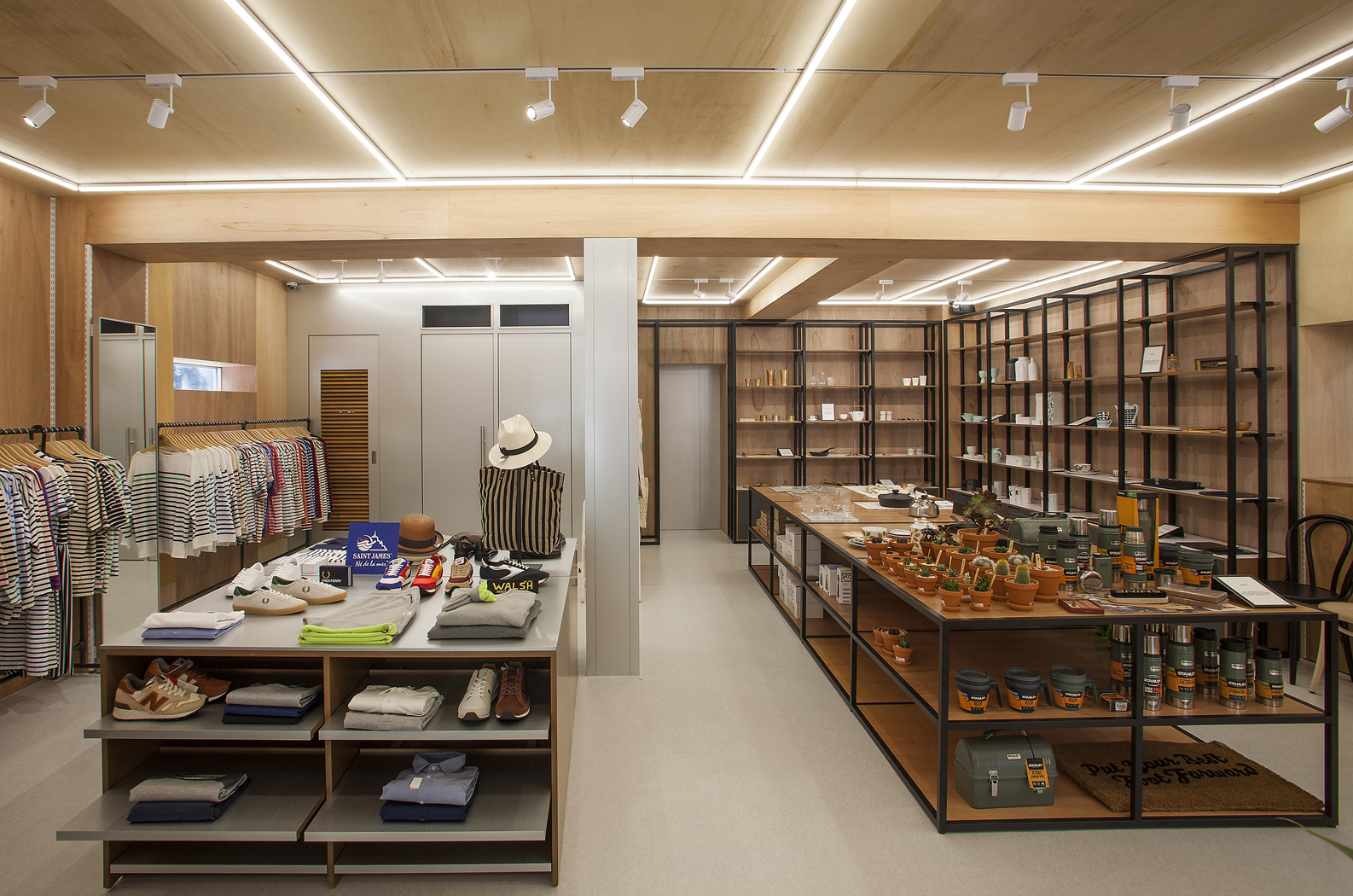 PLATFORM PLACE HANNAM Store_Interior (2)