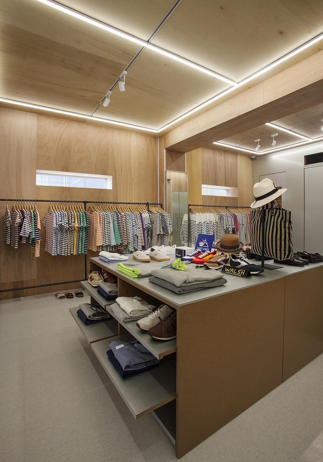 PLATFORM PLACE HANNAM Store_Interior (3)