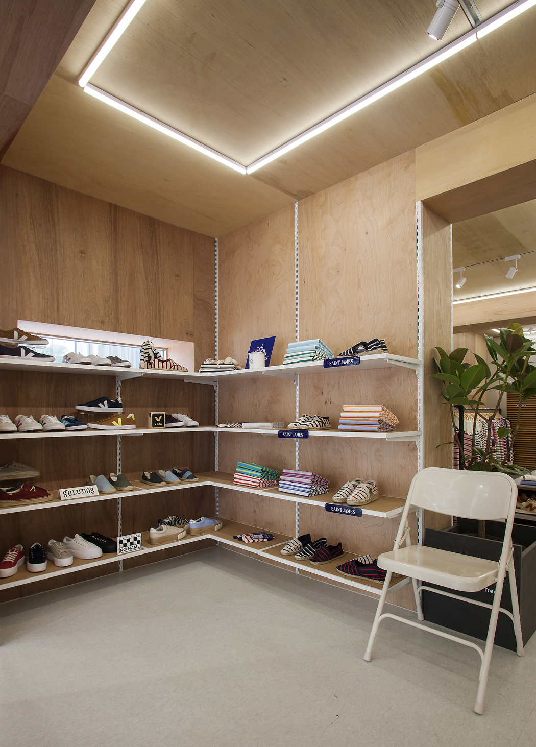 PLATFORM PLACE HANNAM Store_Interior (5)