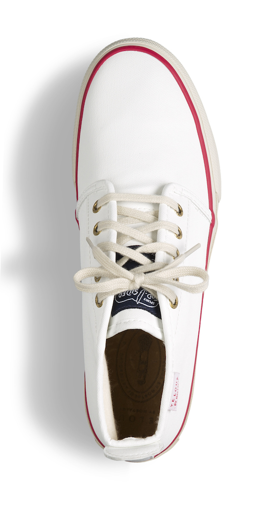 White chukka-top