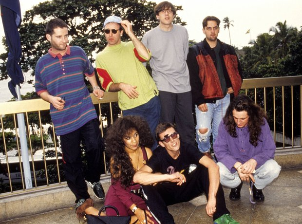 happy-mondays-1374060663-view-0