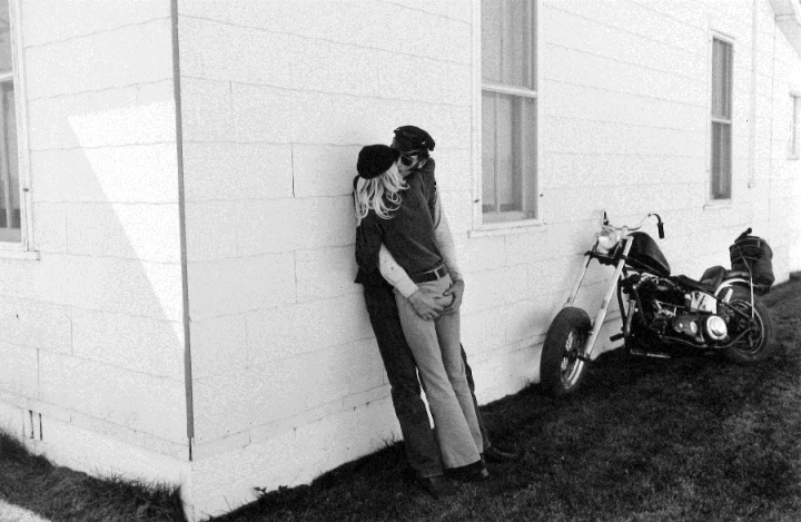 Dennis Stock, Bikers making 'it',  1971