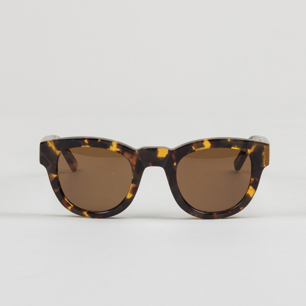 type_04_sunglasses_-_amber_2_