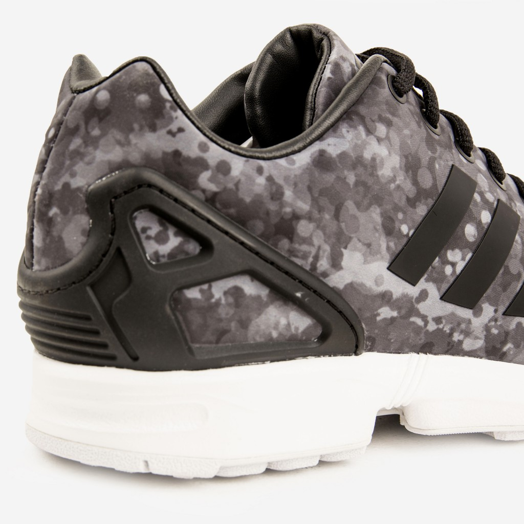 ADIDAS_CONSORTIUM_X_WHITE_MOUNTAINEERING_ZX_FLUX_BLACK_DETAIL4