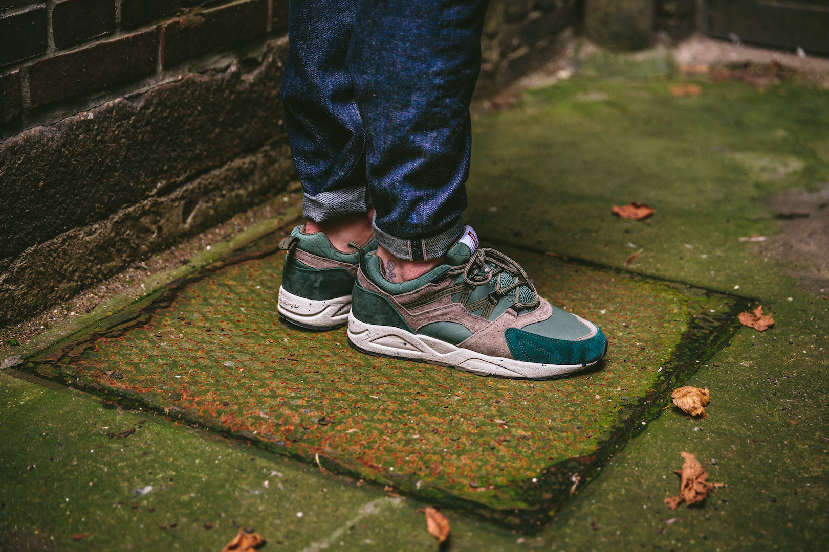 Karhu Fusion 2.0 Brindle:Balsam Green On Feet