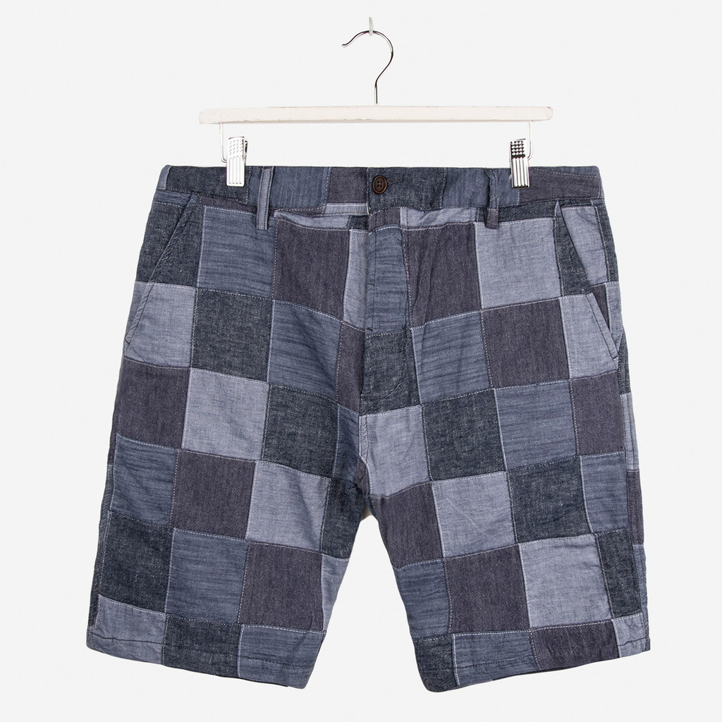 UNIVERSAL_WORKS_CHAMBRAY_PATCHWORK_DECK_SHORT_INDIGO_DETAIL1_1024x1024