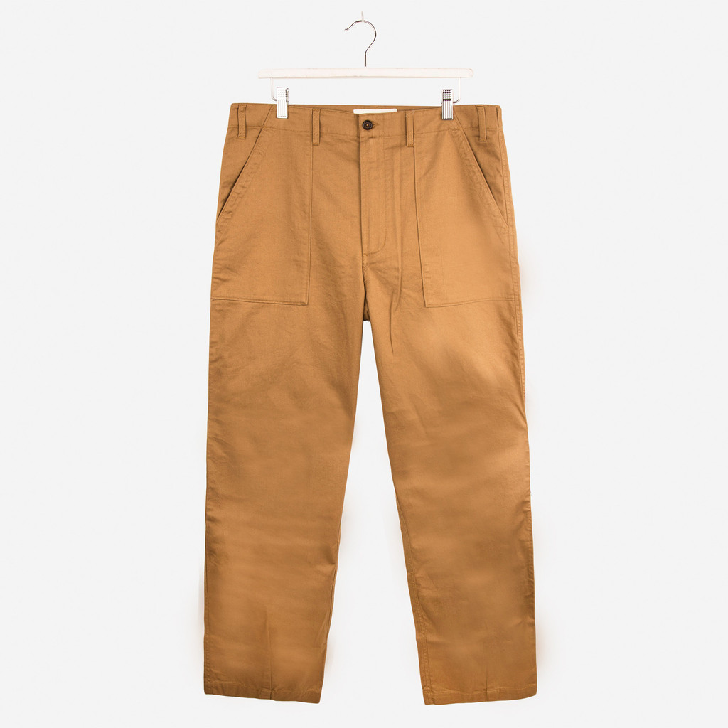 UNIVERSAL_WORKS_TWILL_FATIGUE_PANTS_CAMEL_DETAIL1_1024x1024