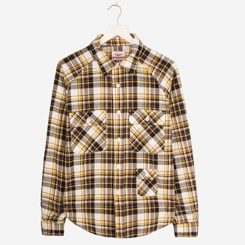 BATTENWEAR_CAMP_SHIRT_YELLOW_PLAID_DETAIL1_1024x1024