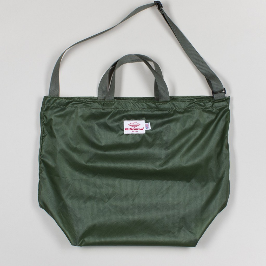 packable_tote_-_willow_foliage_1_