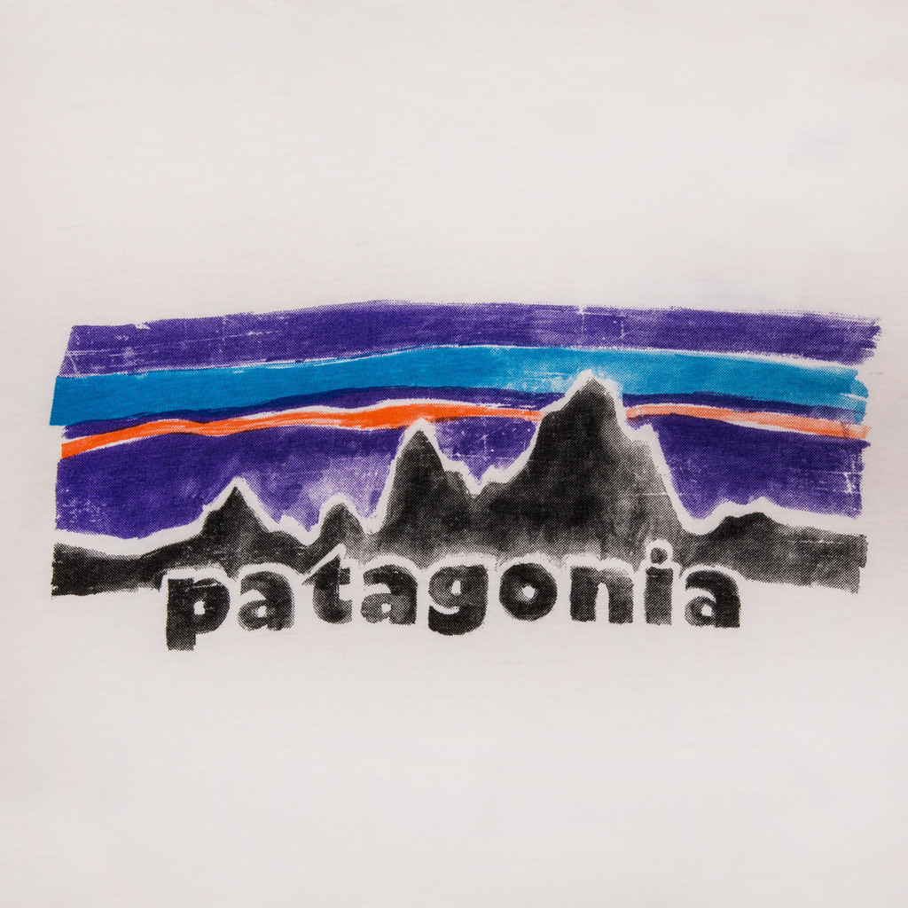 PATAGONIA_LEGACY_COTTON_POLY_T-SHIRT_WHITE_DETAIL3_1024x1024