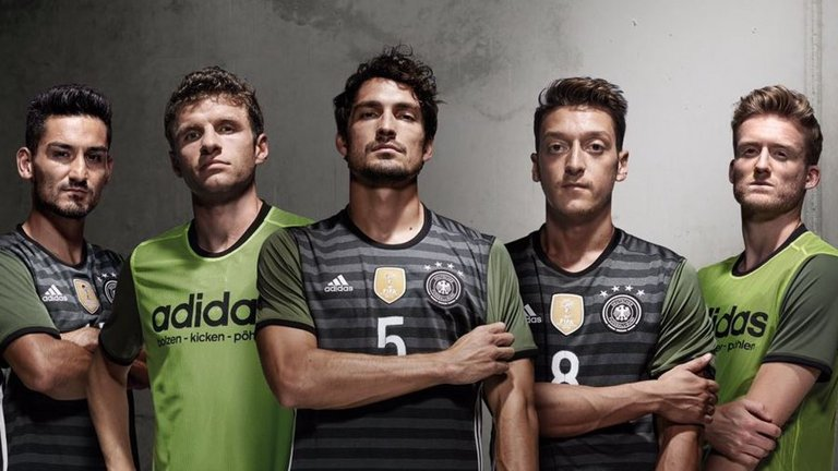 germany-away-kit-euro-2016-kit_3376136