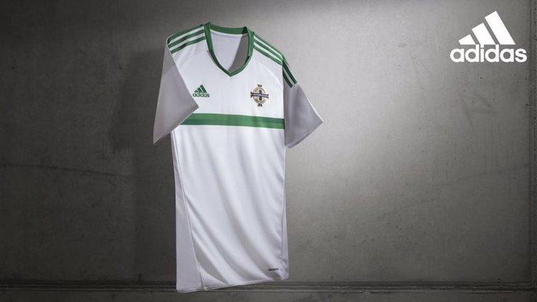 northern-ireland-away-kit-euro-2016-kit_3376137