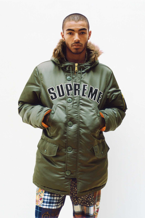 supreme-2016-fall-winter-lookbook-4