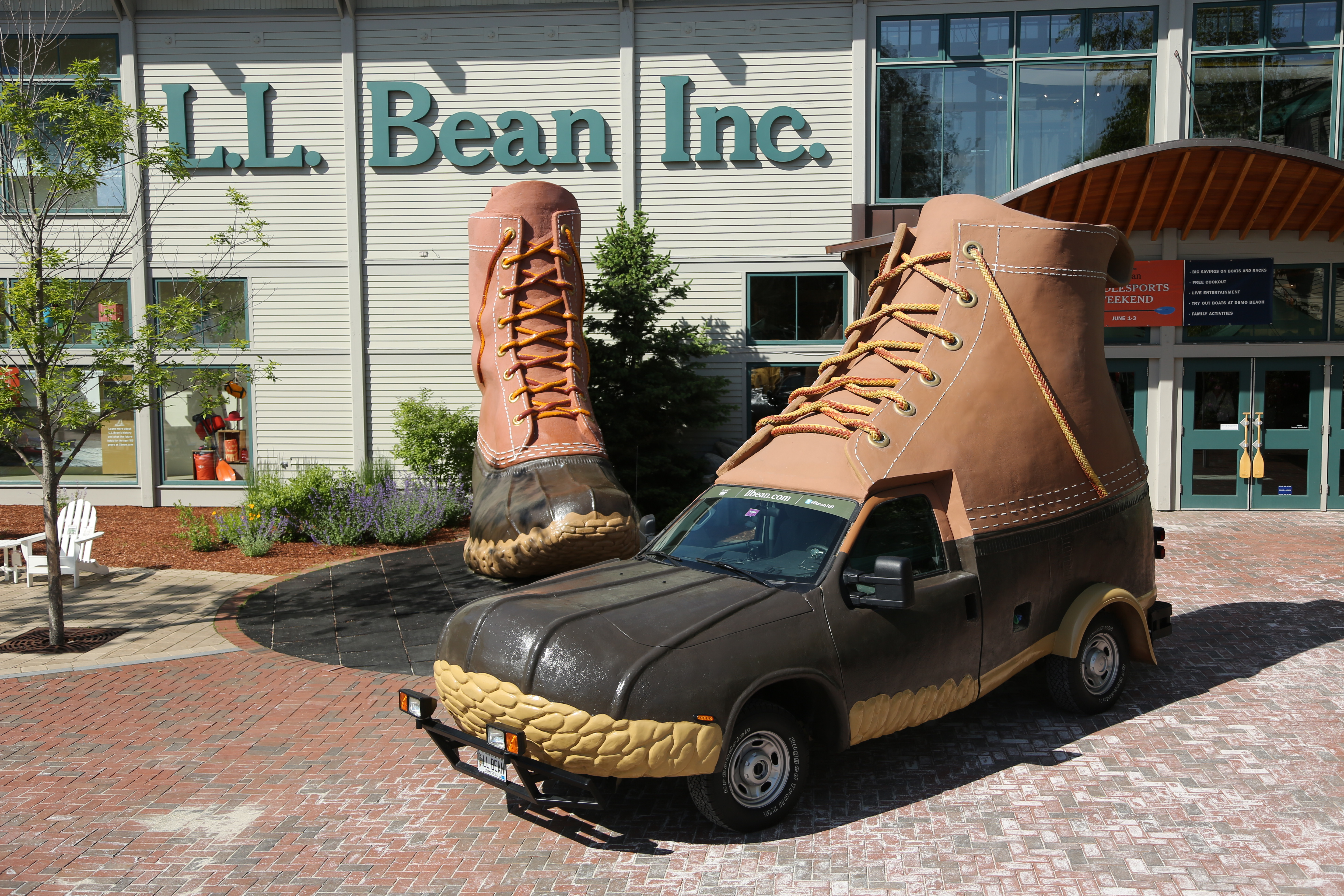bootmobile_at_flagship_store