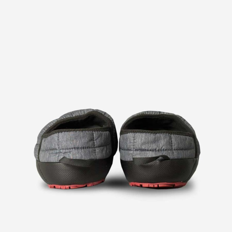 the-north-face-mens-thermoball-traction-mule-ii-phantom-grey-heather-printrudy-red2-800x800