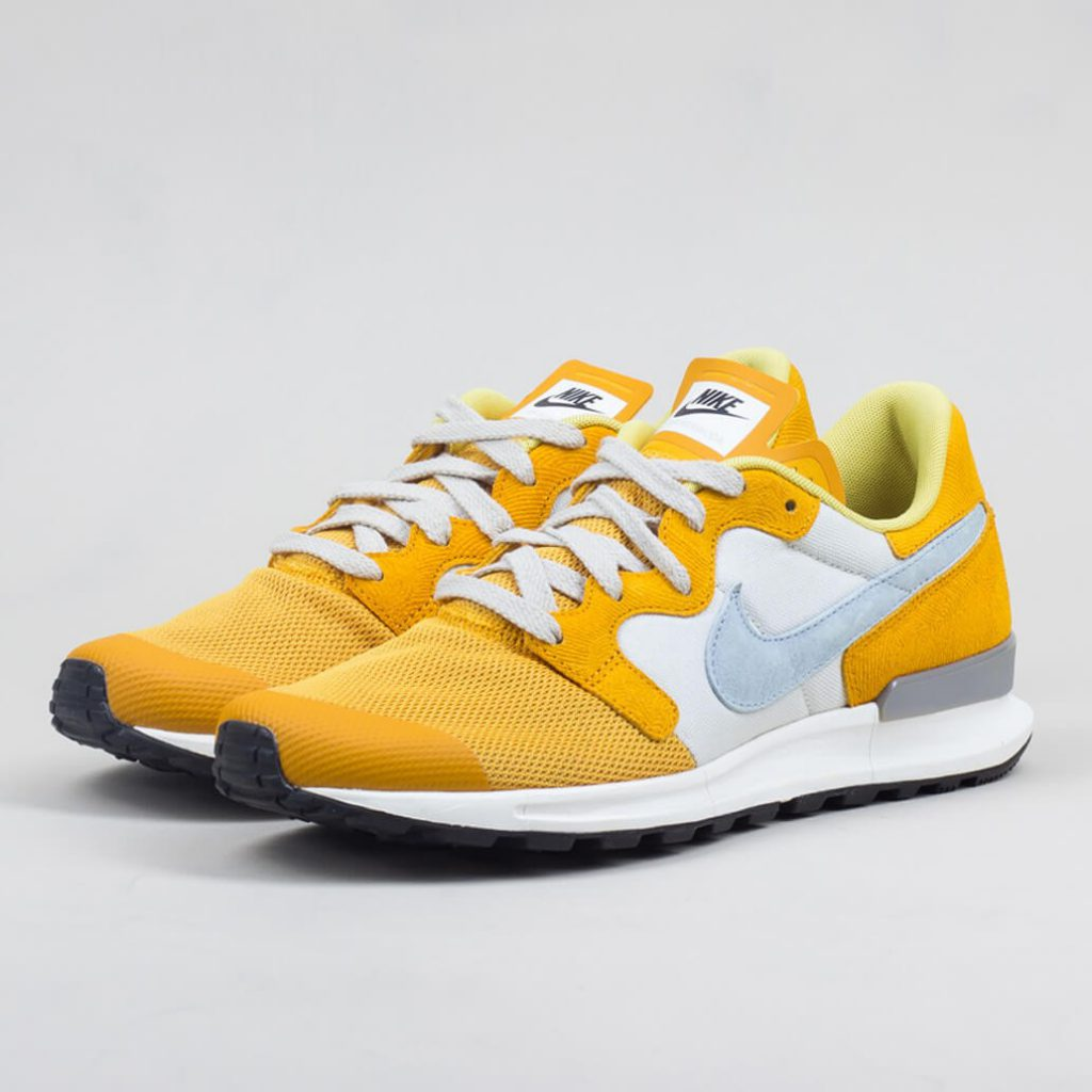 nike_air_berwuda_premium_-_gold_leaf_light_bone_1_