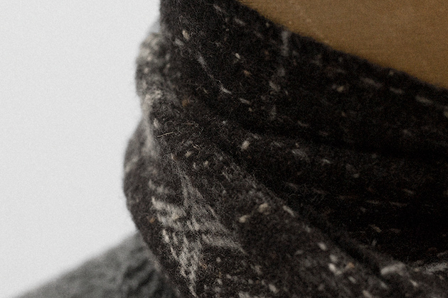 scarf-grey-donegal-merino-cashmere-4s