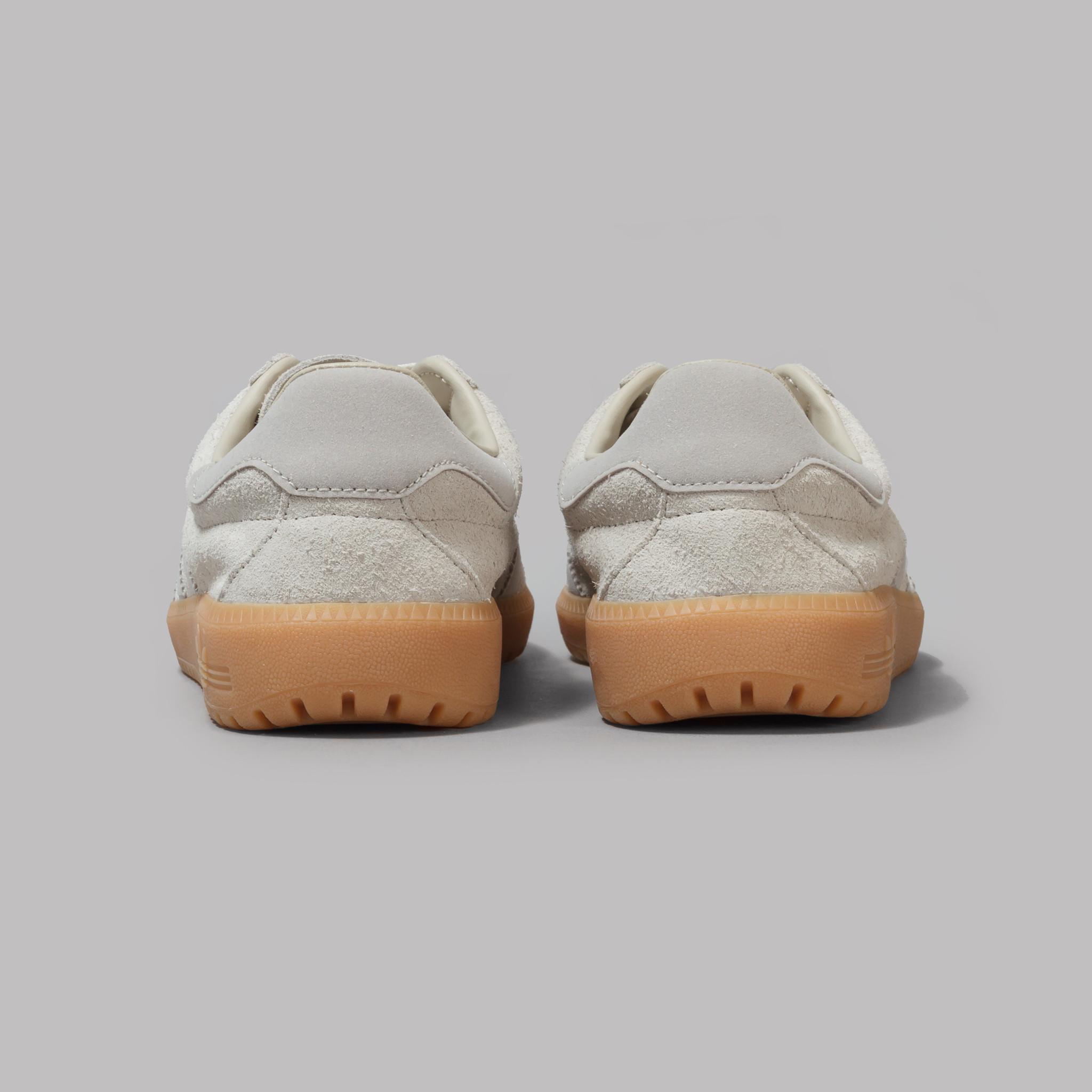 adidas-010217-04-00