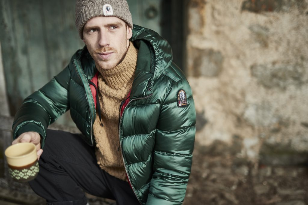 Taking Parajumpers super lightweight jackets and giving them a literal shine is what the shiny down proof 20 den polyester twill Sheen collection is all ...