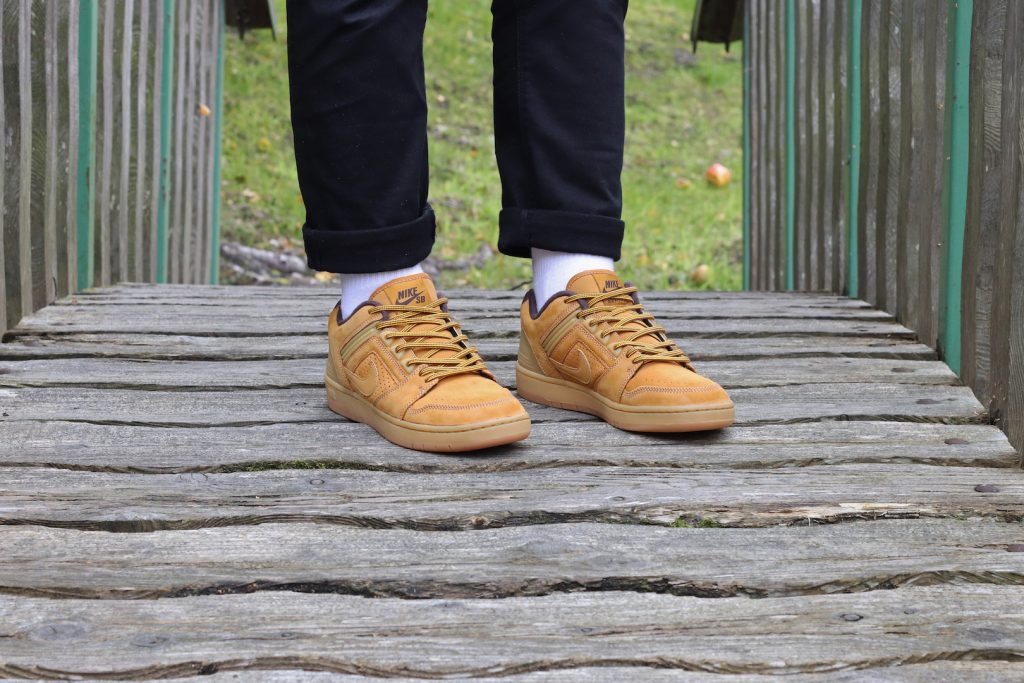 outlet store 34a60 f7346 If you like a bit of luxury whilst riding the rails then behold this Nike  SB duo, both of which feature a super cosy fleece lining, premium materials  and ...
